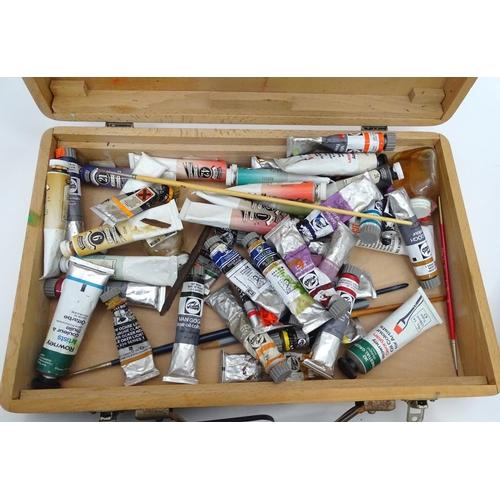 25 - A quantity of artist's materials...