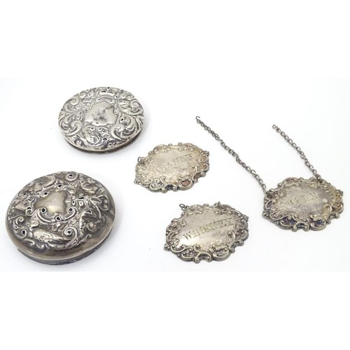 453 - Assorted items including silver plated wine labels / bottle tickets and 2 silver jar tops. (5)