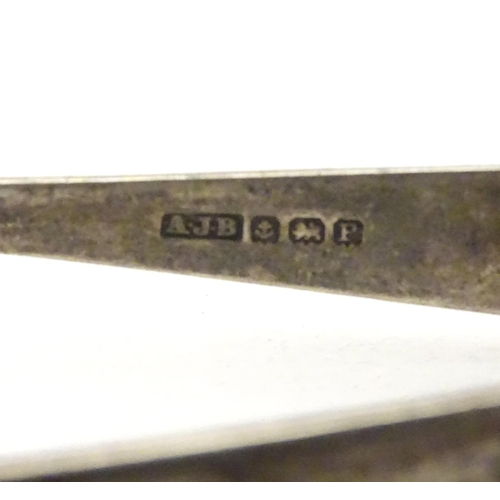 455 - Silver sugar tongs with birds claw grips.  Hallmarked Birmingham 1939 maker A.J. Bailey. Approx. 3
