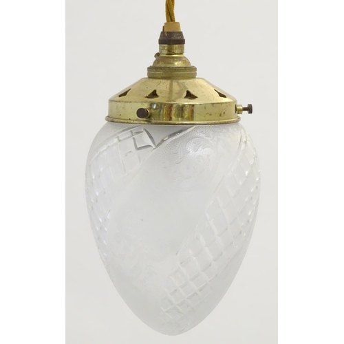 905 - An early 20thC pedant light with cut glass shade of bullet shape. Approx  7