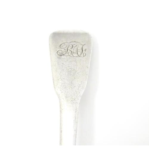 326 - A silver fiddle pattern salt spoon, hallmarked London 1811 maker RC  3 3/4