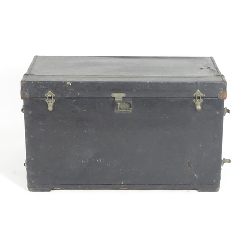 1351A - Classic cars, motoring: an early to mid 20thC Brooks external car trunk / luggage case, of rectangul...