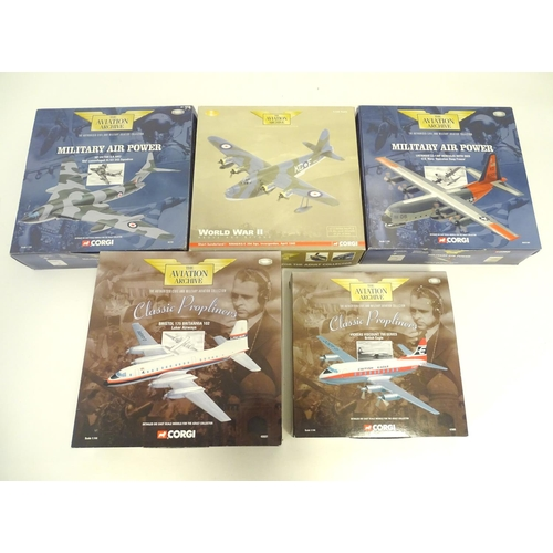 868 - Toys: A quantity of Corgi Toys die cast scale models from The Aviation Archive collection, comprisin...