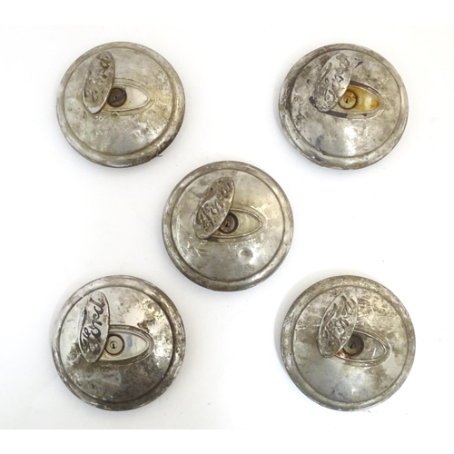 1352 - Vintage cars, motoring: a set of 4 + 1  c1930s Ford locking hub caps, with chrome finish, each appro...