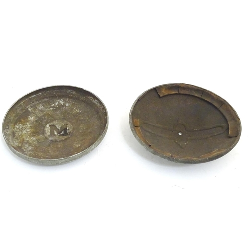 1355 - Vintage cars, motoring: two mid-20thC aluminium hub caps, with Vauxhall and Morris insignia, each wi...