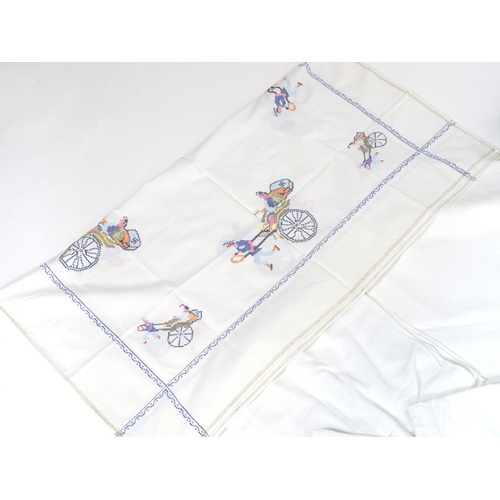 1240 - A quantity of linens and lace to include a late 19thC Damask cloth celebrating the Reign of Queen Vi...