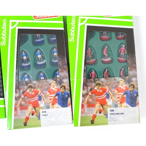 863A - Subbuteo: a large collection of the late 20thC table football / soccer game, including three boxed s...