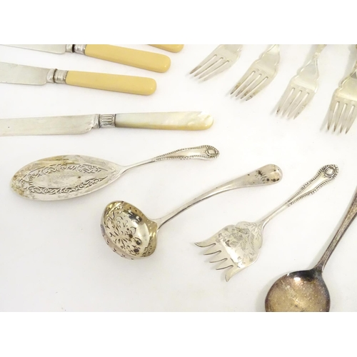 483 - Assorted flatware to include silver plate fish eaters, sifter spoons servers etc and tea knives with...