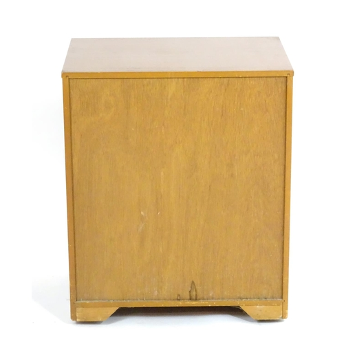 1574A - Vintage retro, mid-century: a Schreiber small chest of four drawers, standing on castors, 28
