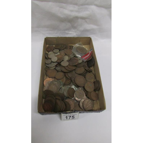 175 - A mixed lot of mainly UK coins...