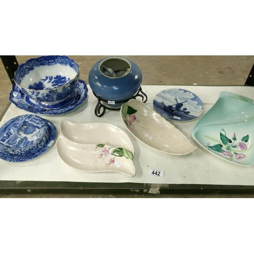 442 - A mixed lot of china including Spode and Crown Devon, 8 items in total...
