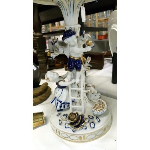 470 - A blue and white Echt Kobalt Von Schierholt comport...