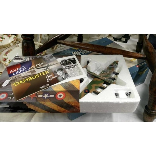 481 - 5 Corgi aviation archive model aeroplanes being Lightning AA32204, HP Victor 48702, Lignting AA32303...