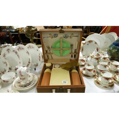 499 - A vintage picnic set...