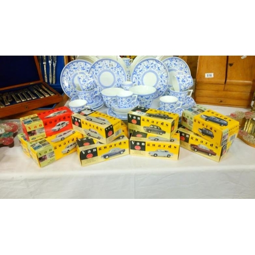517 - 12 boxed Vanguards model cars...