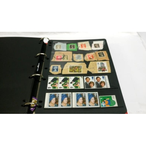 542 - 4 folders/albums of 20th century British, Irish and commonwealth stamps (mainly Elizabeth II)...