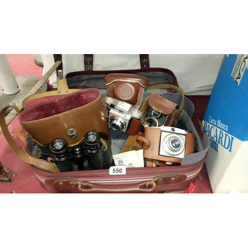 550 - 3 vintage camera's being Voigtlander Brilliant, Baldixette and Kodak Colorsnap 35 together with a pa...