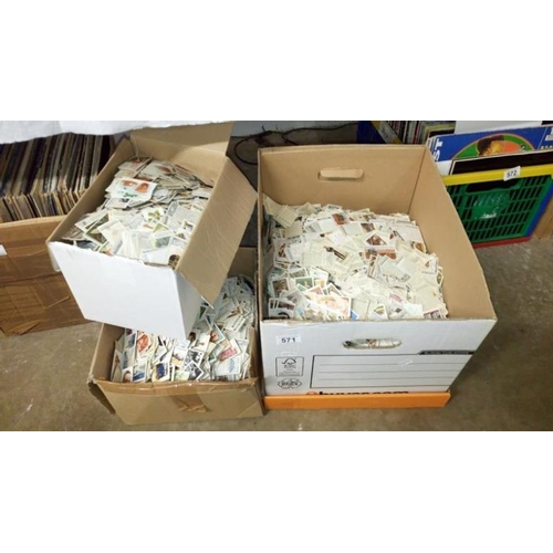 571 - 3 boxes of loose cigarette cards...