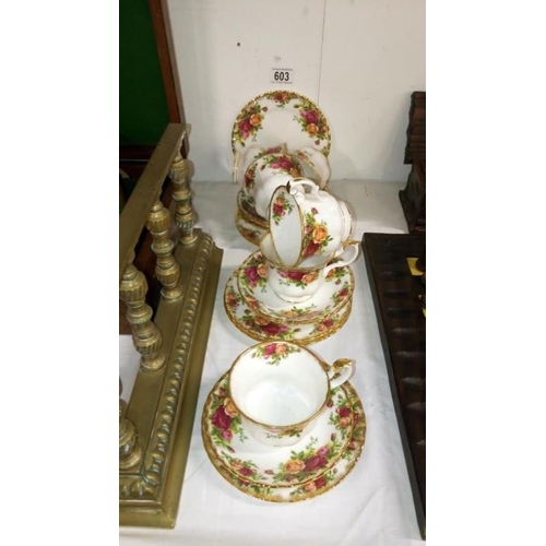 603 - 18 pieces of Royal Albert Old Country roses tea ware...