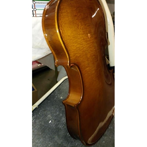 661 - A modern violin in case...