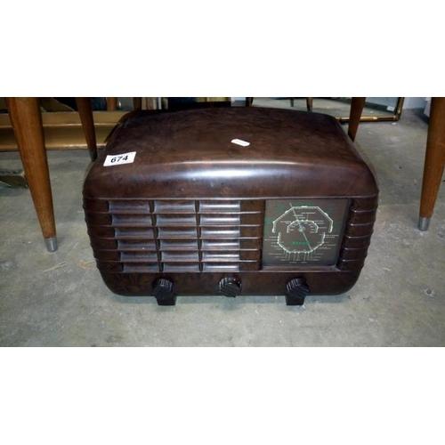 674 - A vintage radio...