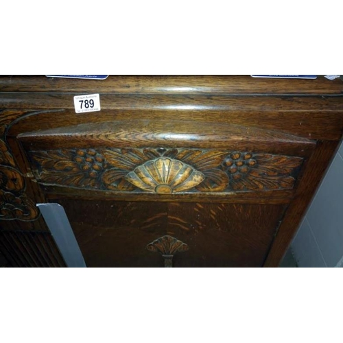 789 - A 1930/40's sideboard...