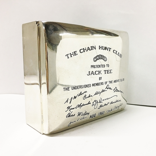 292 - A heavy sterling silver box engraved 'The Chain Hunt Club' 1962 with engravings of members signature...