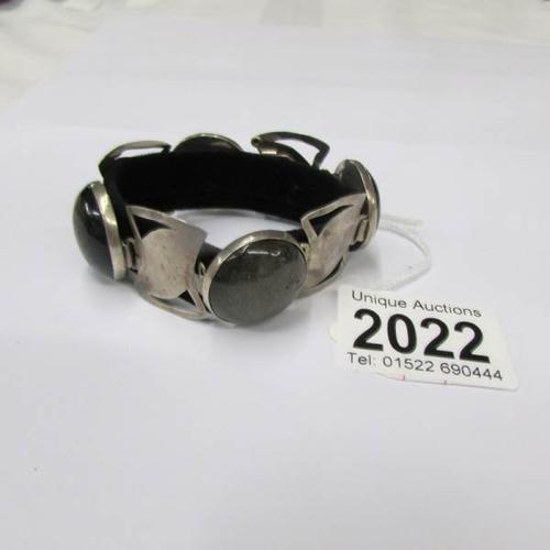 Lot 2022