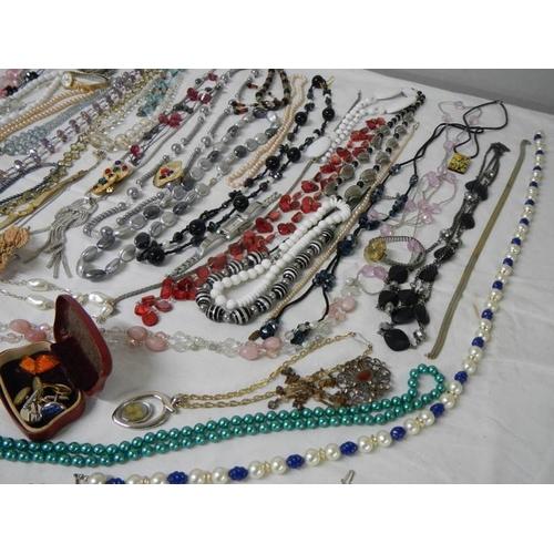 541 - A good large lot of costume jewellery including necklaces, earrings, bracelets, wrist watch etc., al...