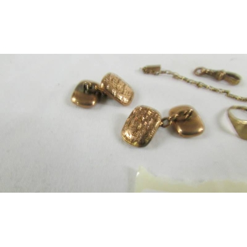 41 - Approximately 9 grams of 9ct gold including cuff links....
