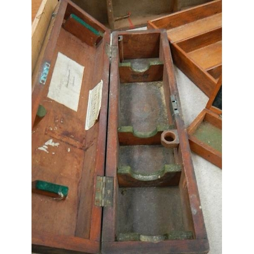 326 - A good selection of wooden boxes and trays including some advertising.