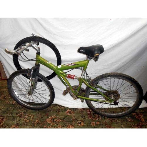 11 - An Apollo Guru bicycle