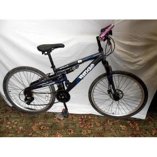 12 - An Apollo Ridge bicycle