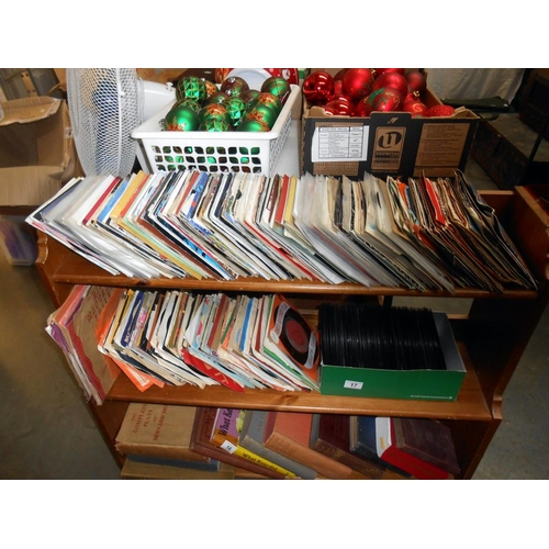 17 - A large quantity of 45's singles, various artists and condition
