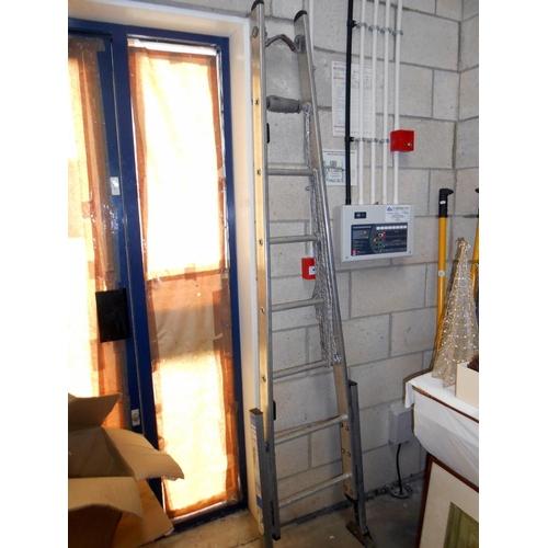 20 - 2 aluminium stepladders