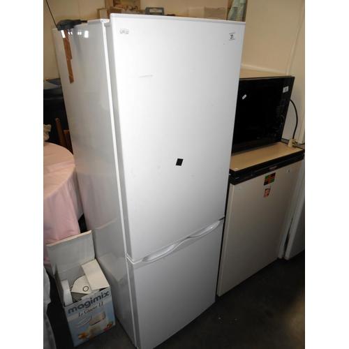 31 - A fridge freezer