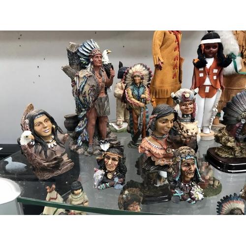 1119 - A good lot of Indian ornaments etc.