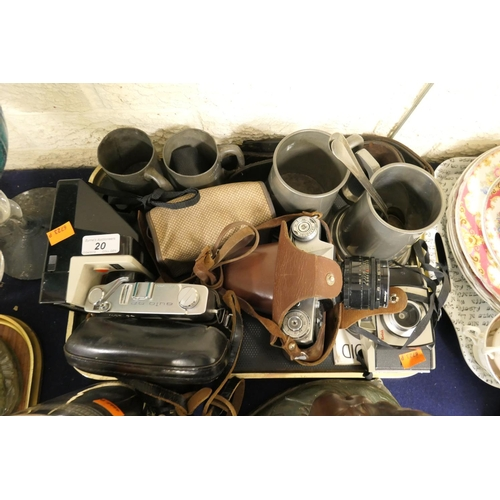 20 - Zenit-E vintage camera, further Konica Auto S2 camera, further cameras, pewter tankards, strop etc (...