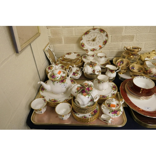 1 - Extensive Royal Albert Old Country Roses tea, dinner and breakfast service, including photo frame, p...