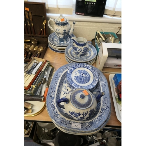 43 - Victorian and later blue and white wares including four Victorian Willow patterned meat plates...