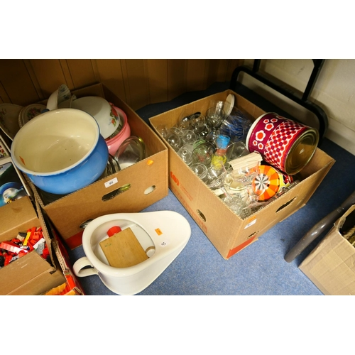 95 - Mixed ceramics and glassware (2 boxes)...