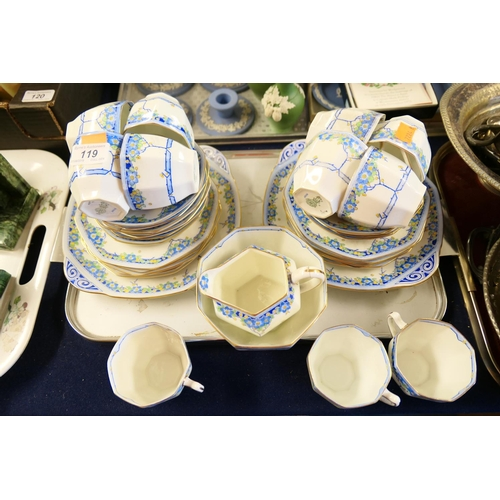 119 - Royal Doulton Arvon pattern china tea service...