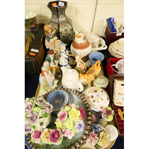 13 - Mixed decorative ceramics including ornamental figurines, Wedgwood etc...