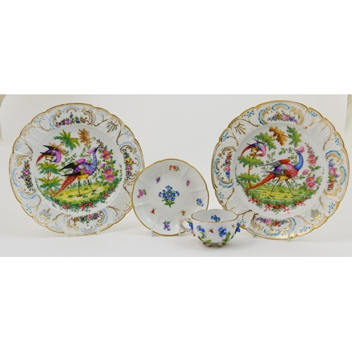 25 - Pair of Samson of Paris porcelain plates, decorated in colours with an Asiatic Pheasant pattern, wit...