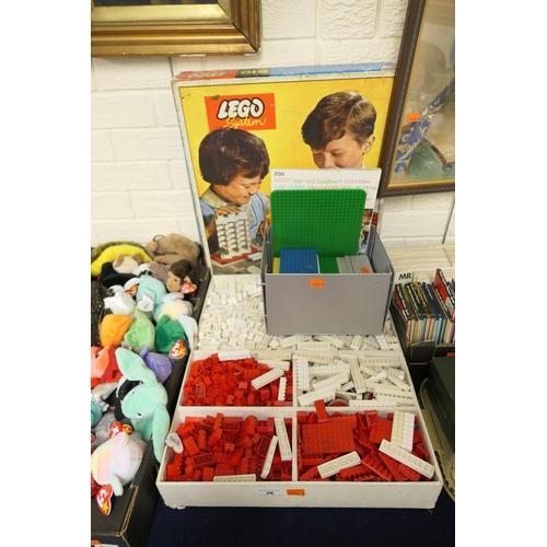 26 - Quantity of 1970s Lego including Lego System 810 box and 250 building book...