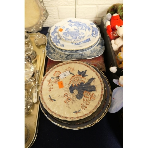 22 - Mixed plates including Mason's and a Blendworth Paisley bag...