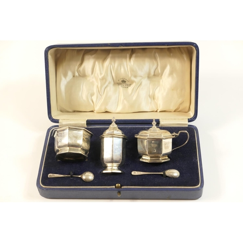 151 - George V silver condiment set, by Mappin & Webb, Birmingham 1931, comprising pepper pot, wet mustard...