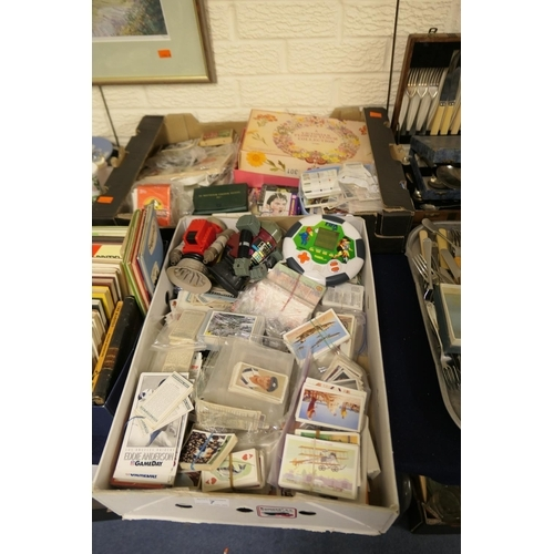 7 - Quantity of collectors' cards including cigarette and cigar cards, tea cards and a number of Observe...