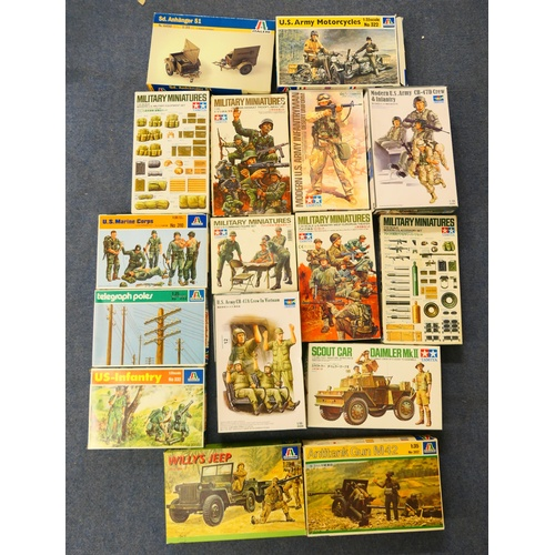 12 - Mixed military miniatures, of army figures and accessories (16) (Please refer to the note on Lot 1)...