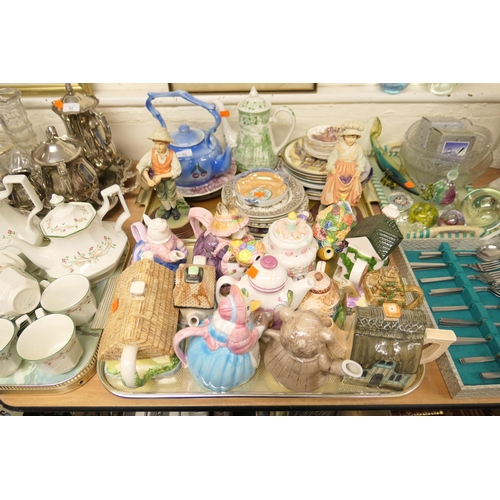 33 - Various novelty teapots, coffee pot, collector's plate and Leonardo figures (2 trays)...